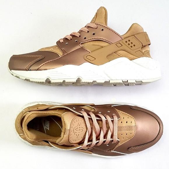 Nike Shoes | Nike Huarache Run Premium